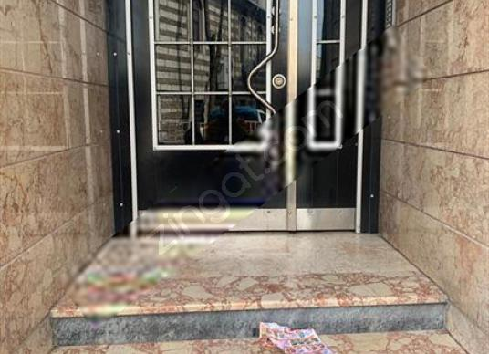 Fatih Fevzipaşa 2dk Mesafede 3+1 130 M2 Otoparklı Satılık Daire - Antre Hol