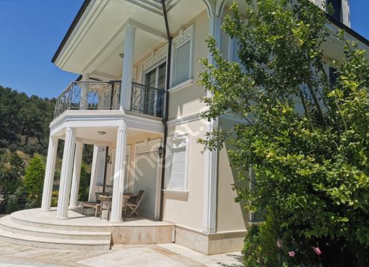 Antalya Kemer Kiriş'te satılık 6+1 havuzlu lüks villa - Dış Cephe