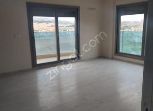 izmir  3+1 190m2 Havuzlu saunalı site içi  satılık daire - Salon