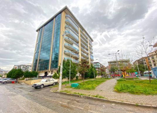 Bakımlı ve Özellikli Binada, 3+1 Satılık Köşe Aydınlık Daire - Açık Otopark