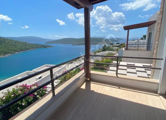 ÖZEL PLAJLI SİTEDE HARİKA DENİZ MANZARALI KİRALIK DAİRE - Balkon - Teras