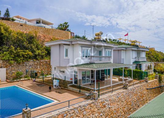 Alanya Bektaş'ta 2+1 Kiralık Eşyalı Villa