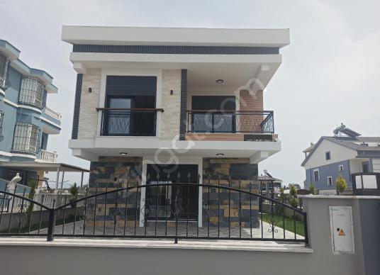 Didim Efeler Mh'de Satılık 5+1 Ayrı Mutfak Tam Müstakil Villa