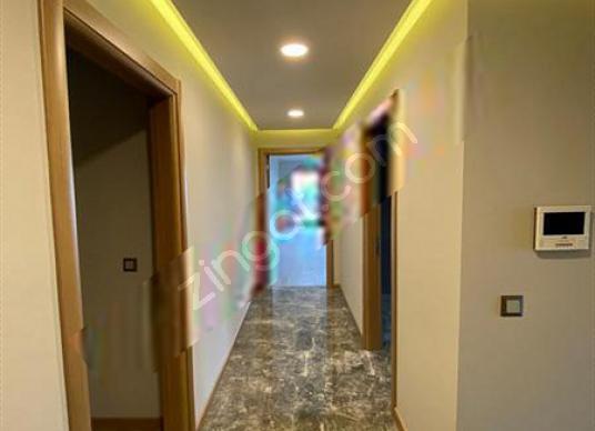 Çamlıca'da Boğaz Manzaralı, Konut ve Ticariye Uygun Satılık Bina