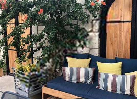 Çeşme'de Bölgenin Merkezinde Satılık 8 ve 16 Odalı Butik Oteller - Balkon - Teras