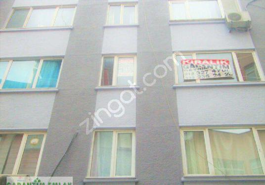 Beşiktaş Çarşı'ya Yakın Balkonlu Ara Kat 1+1 Kombili