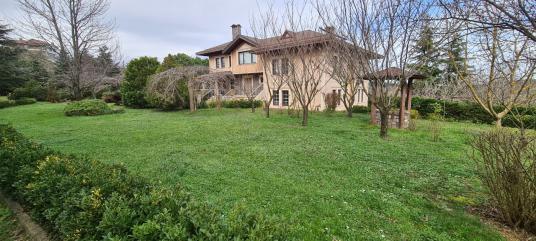 Beykoz Acarkent yakını Görele Mahallesinde kiralık 5+2 villa - Dış Cephe