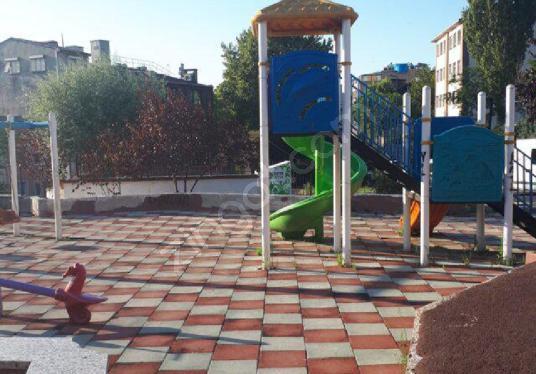 Bedrettin Mahallesin De Metro Çıkışında Satılık Ev - Çocuk Oyun Alanı