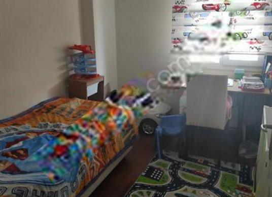İzmir Bayraklı Osmangazi'de Site içerisinde Arakat 3+1 Daire - Çocuk Genç Odası