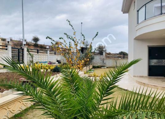 Güzelbahçe Çamlı'da Lüks Sıfır Müstakil Bahçeli Villa - Bahçe
