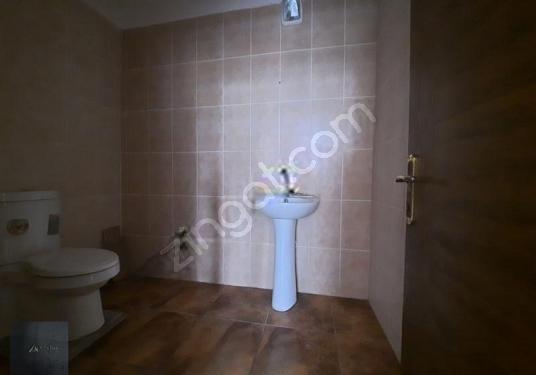 CADDE ÜZERİNDE KİRALIK DÜKKAN - Tuvalet