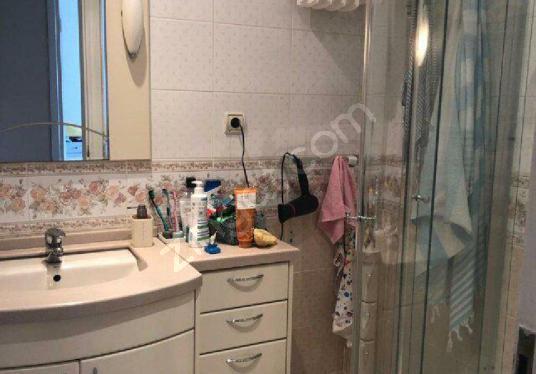 1.Levent'te 120 m2 bakımlı 3+1 kiralık daire - Banyo