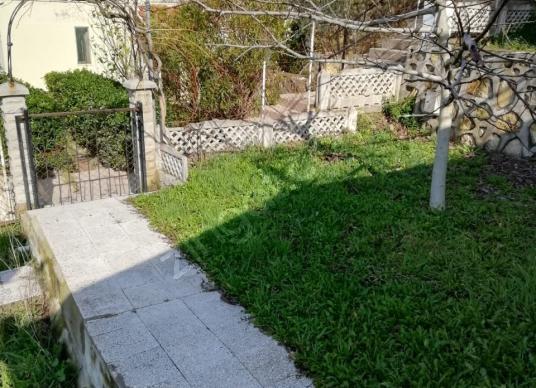 Yeni Foçada Teras Evlerde 2+1 Yazlık - Bahçe