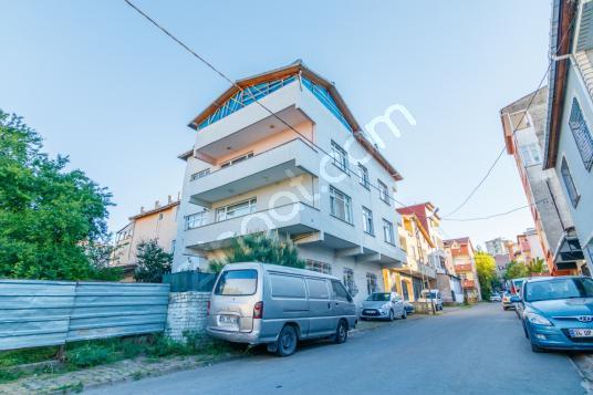 Ümraniye Aşağıdudullu Huzur Mah. de 3 Katlı Komple Satılık Bina - Sokak Cadde Görünümü