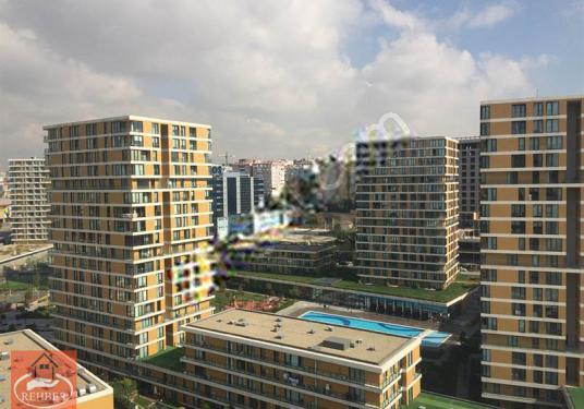 Bahçelievler İstwest'te 1,5+1 94 m2 Balkonlu Satılık Residence - Site İçi Görünüm