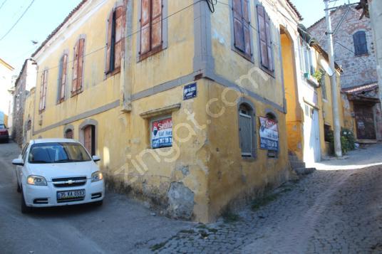Bergama Kızıl Avlu'da Satılık Müstakil 3+1 Tarihi Rum evi - Sokak Cadde Görünümü