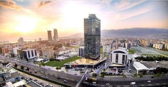 Bayraklı Tower'da Satılık Çok Özel Dekorasyonlu Ofis - Manzara