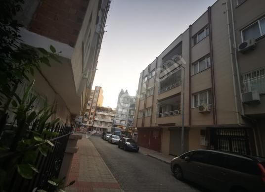 FENER CADDESİN DE SATILIK GENİŞ 4+1 ARAKAT DAİRE - Sokak Cadde Görünümü
