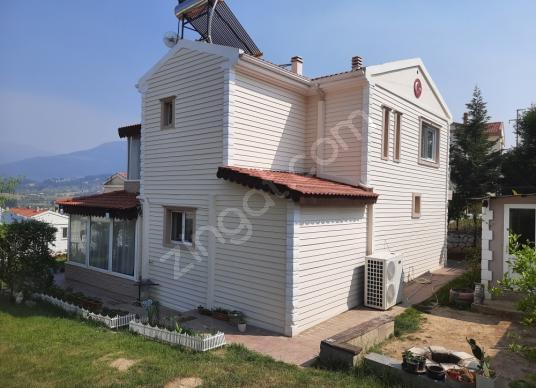 Kemalpaşa Yukarıkızılca Arkent Sitesinde Eşyalı Satılık Villa - Dış Cephe