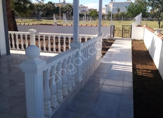 Didim Efeler'de Satılık Villa - Balkon - Teras