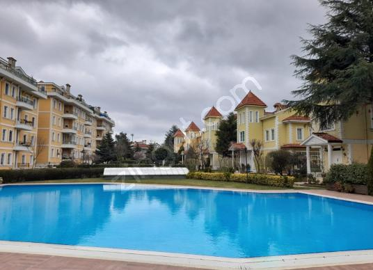 Göktürk Altıntaş Sitesin'de Kiralık 4+1 Villa - Yüzme Havuzu