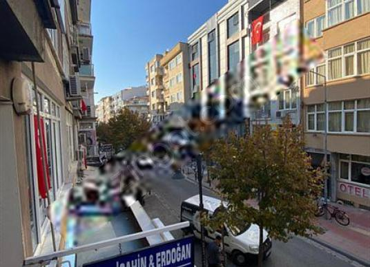 Manisa Utku Mahallesi Ful Kiralık 3+1 Daire & İş Yeri - Sokak Cadde Görünümü
