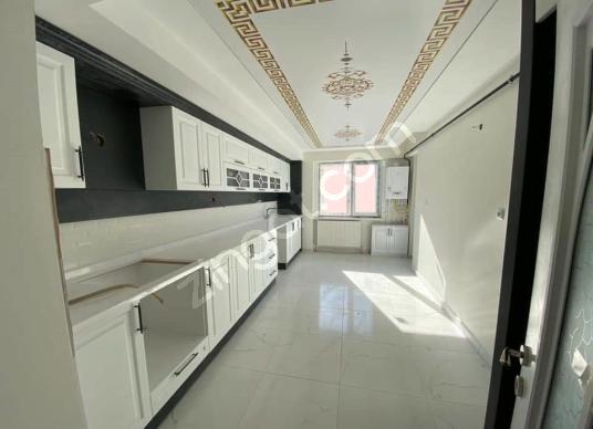 RÜZGAR YAPI'DAN MERKEZİ KONUMDA 2+1 ARA KAT DAİRE - Mutfak