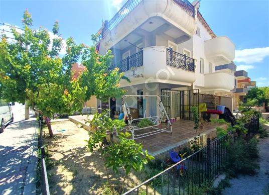 Kuşadası'nda Satılık Köşe Konumlu 4+1 Müstakil Bahçeli Villa - Dış Cephe