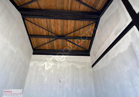Alaçatı Hacımemiş'te Kiralık Dükkan - Sauna