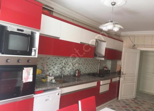 ÖZCAN GAYRİMENKUL'DEN BAKIMLI MASRAFSIZ SATILIK DAİRE - Mutfak