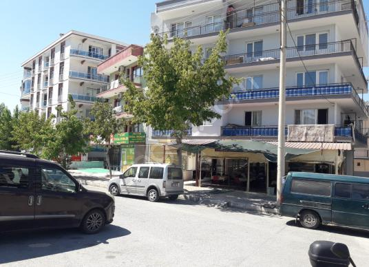 EKEN EMLAK'TAN MENEMEN DEVLET HASTANESİ CİVARI DÜKKAN - Açık Otopark