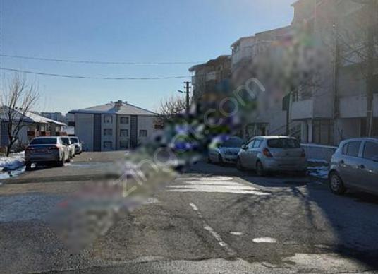 ELFİ den Kuvayi Milliye De 5+1 Satılık Tripleks - Sokak Cadde Görünümü