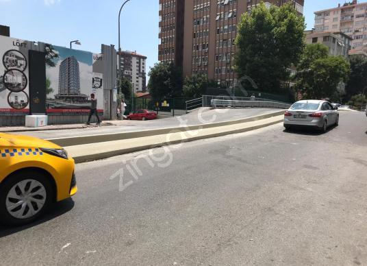 TÜTÜNCÜ MEHMET EFENDİ  CADDESİ ÜZERİNDE KİRACILI 140 M2 DÜKKAN - Sokak Cadde Görünümü