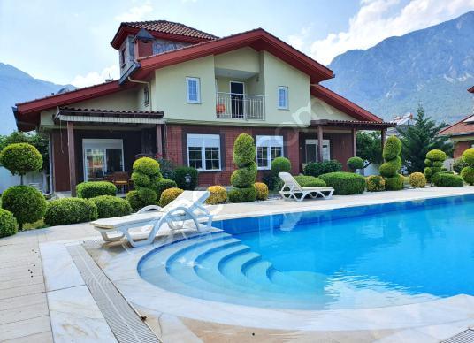 Kemer Arslanbucak Havuzlu Sitede Satılık Villa - Продажа виллы - Yüzme Havuzu