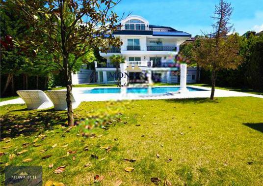 MONARCH Acarkent/ Tek Yetkili Merkezi Konumda 2.000 m2 Bahçeli B - Bahçe