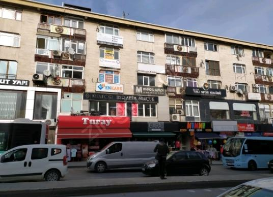 MALTEPE BAĞDAT CADDESİ KUPON MAĞAZA DÜKKAN - Sokak Cadde Görünümü