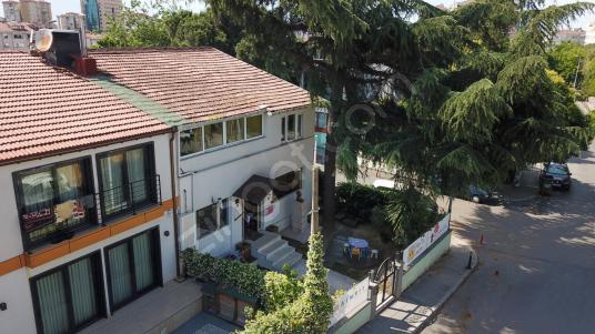 Akat merkezi konumda bahçeli satılık villa - Dış Cephe