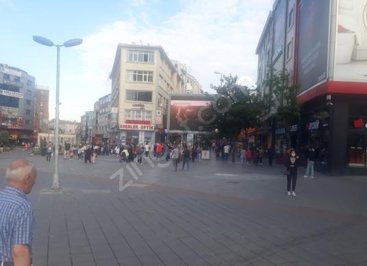 Esenler meydanda Kiralık Dükkan yürüyüş ylnda 3kat isknlı 22.000 - Sokak Cadde Görünümü