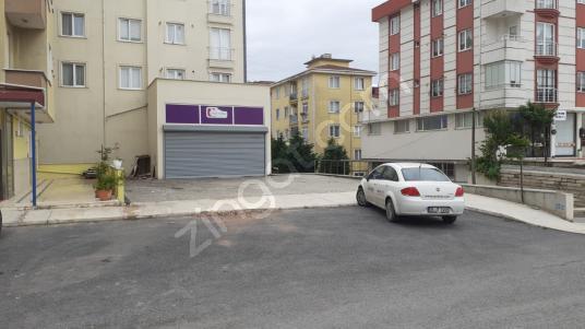 Kurtköy de Cadde Cepheli ve Geniş Bahçeli Kiralık Dükkan - Sokak Cadde Görünümü