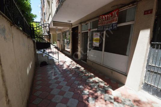 Başokur'dan Bahçelievler'de Krediye Uygun Düz Ayak büro ve ofis - Balkon - Teras