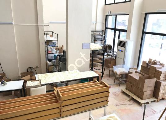 LOBİ den Kartal da 900 m2 Kapalı Alan Kullanımlı Ofisli Mağaza - Sauna