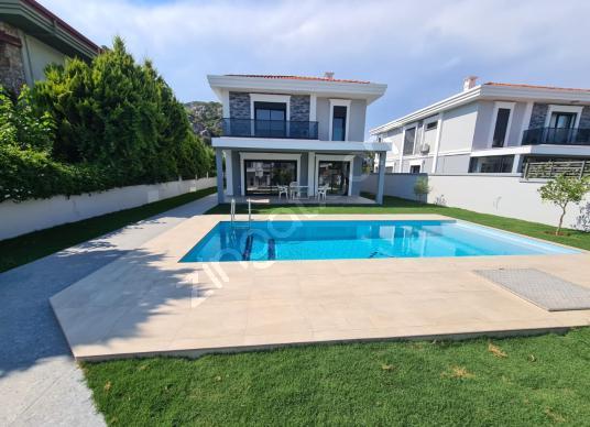 TT Emlak Marmaris Bağlıiçi'nde 5+1 Sıfır Satılık Villa - Yüzme Havuzu