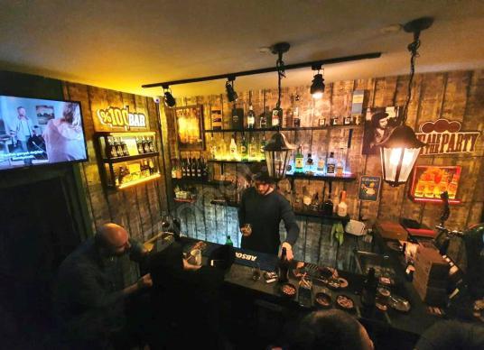 Beşiktaş Çarşı'da Alkol Ruhsatlı Devren Kiralık Restoran-Bar - Salon