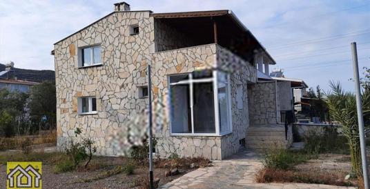 İzmir, Urla, İçmeler,750 m2 Bahçeli 170 M2, 3 Katlı Taş Ev - Dış Cephe