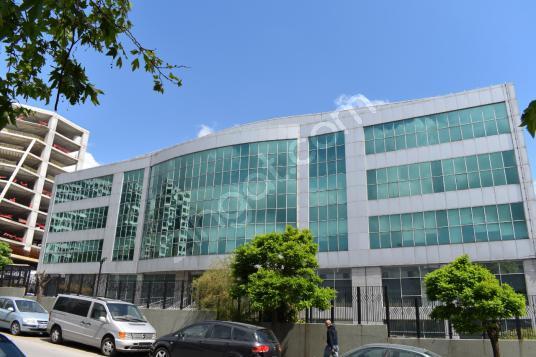 Ümraniye de Tek Katta Kiralık 1650 m2 A+ Plaza Ofisleri - Dış Cephe