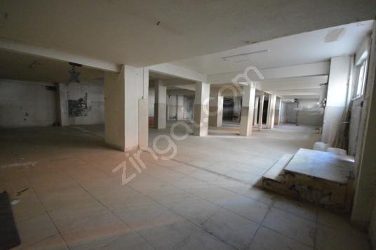 Başokur'dan Bahçelievler Zafer,de 220 m2 kullanımlı depo - Salon