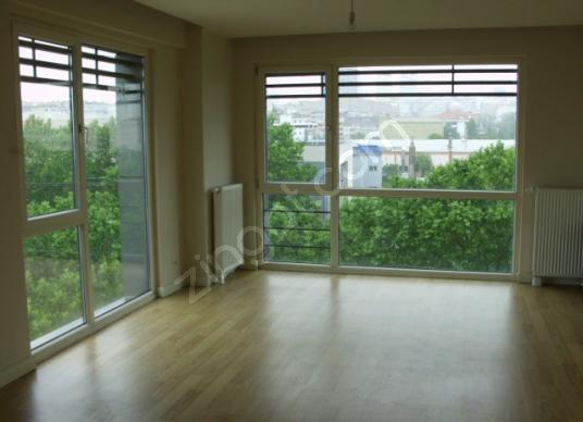 Bağcılar Güneşli vegüneşli residence de çift cephe 2+1 kiralık - Balkon - Teras