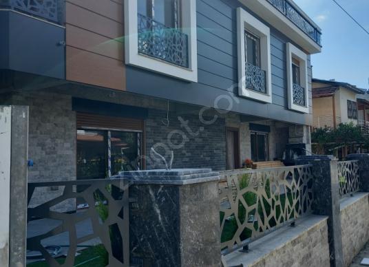 Menderes Çukuraltı'da Satılık Müstakil Ev - Balkon - Teras