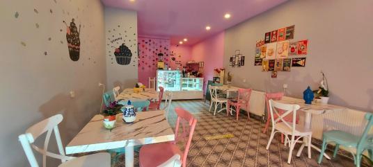 Tunalı Hilmi'de Pastane & Butik Cafe - Salon