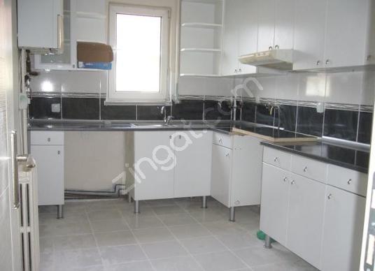 İstinye de güvenlikli otoparklı sitede 3+1 teraslı dubleks daire - Mutfak